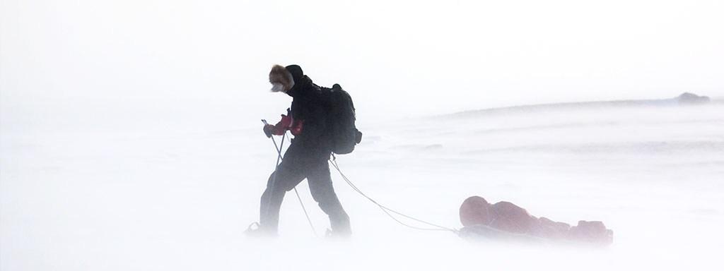 Vivimos en una tormenta de nieve, pero pocos tenemos cuerdas para sostenernos